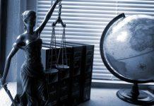 Wer beispielsweise als Rechtsanwält*in tätig werden möchte, muss seine freiberufliche Tätigkeit anmelden.