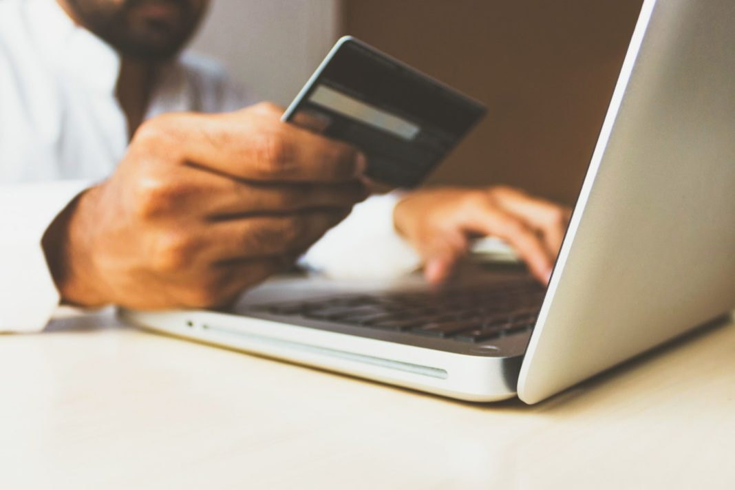 Ostern 2020 Corona Online Shopping