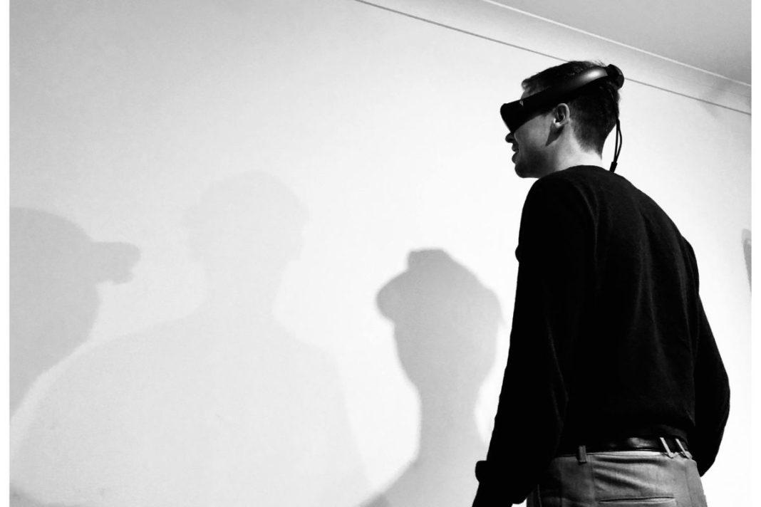 happyr_VR_startup