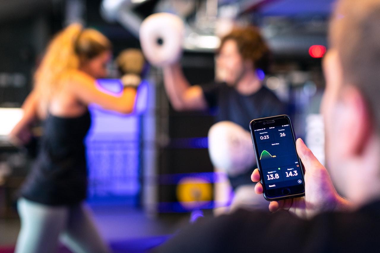Die 4 besten Fitness-Apps für Euer Home Workout