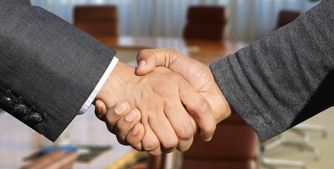 shaking-hands_Factoring