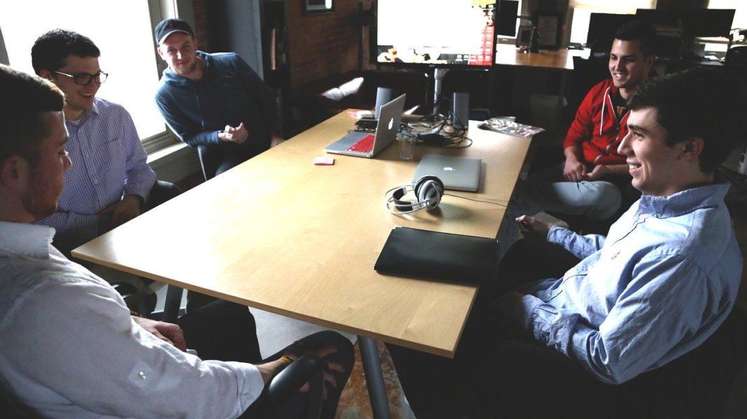 startup desk people ideas
